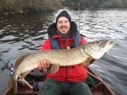 "Un beau brochet de 112cm pour Chris gagne notre ""Catch of the Week"""