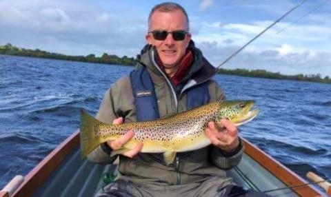Lawrence Hickey, Dublin avec une belle truite de 67cm