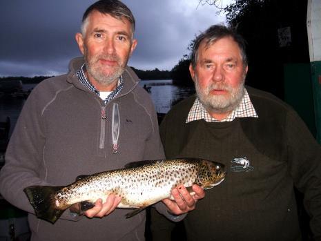 Lawrence et Larry McAlinden avec un beau poisson de Sheelin au concours LSTPA du 5 octobre