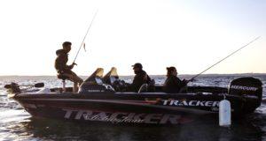 Bruno en action sur son bateau dans le Cavan