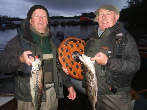 Les Vainqueurs du Bouclier Steven & Matt Tormey - Liam McLoughlin (1.37 kg) et Noel McLoughlin (1.36 kg), Ned Shannon a pris le 2e rang avec un poisson de 1.35 kg.