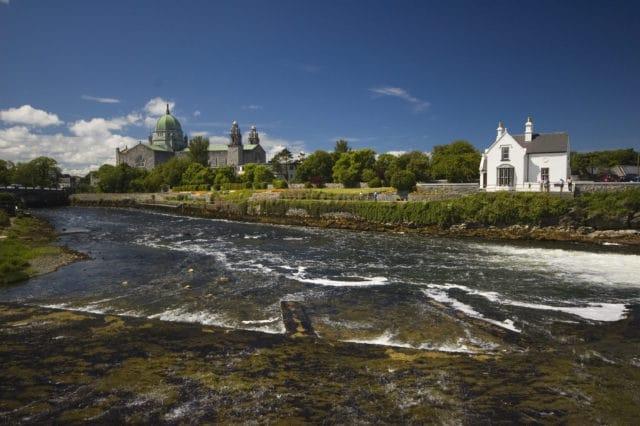 La pecherie de Galway en plein ete