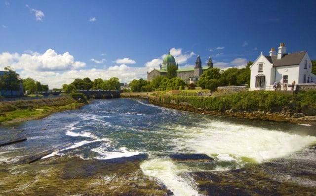 La pecherie de Galway sur la riviere Corrib