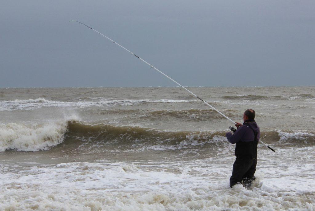 La pêche en mer au surfcasting en Irlande