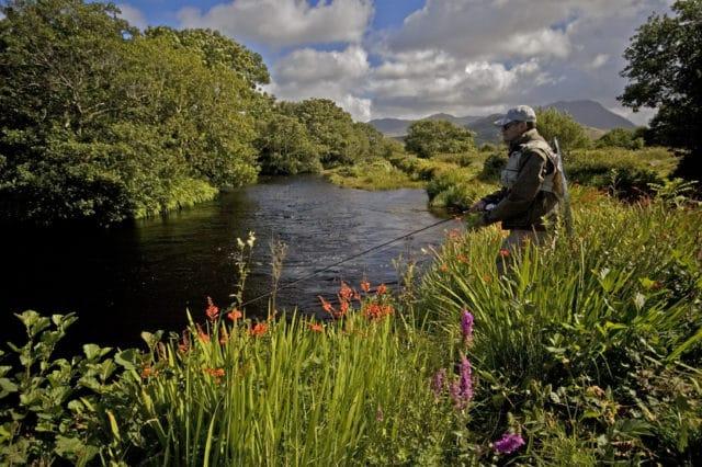 A la pêche sur la partie inferieure de la rivière Dawros