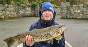 Une belle truite de Lough Corrib