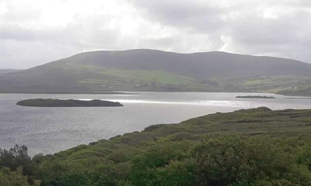 Le lac de Carrowmore se calme après la tempête