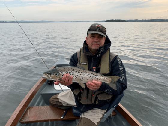 La pêche de la truite sur le Lough Sheelin