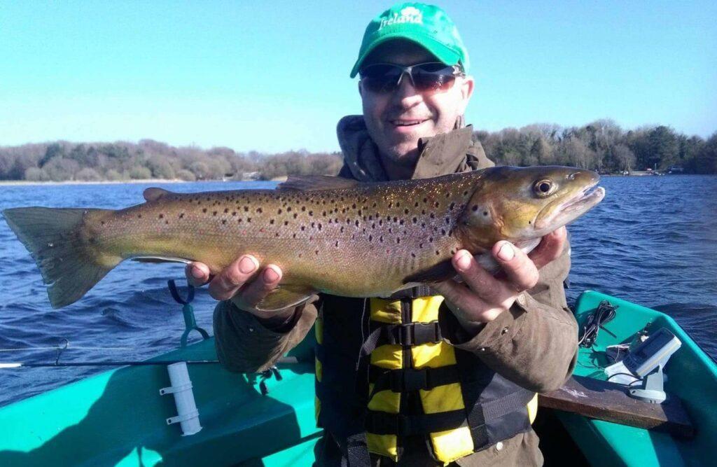 La pêche de la truite en Irlande. Lough Ennell