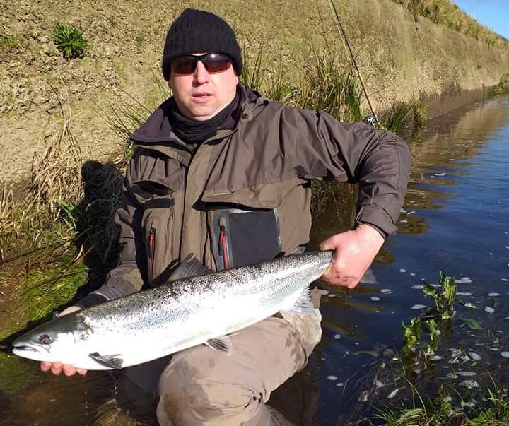 Un beau saumon pris sur la rivière Feale