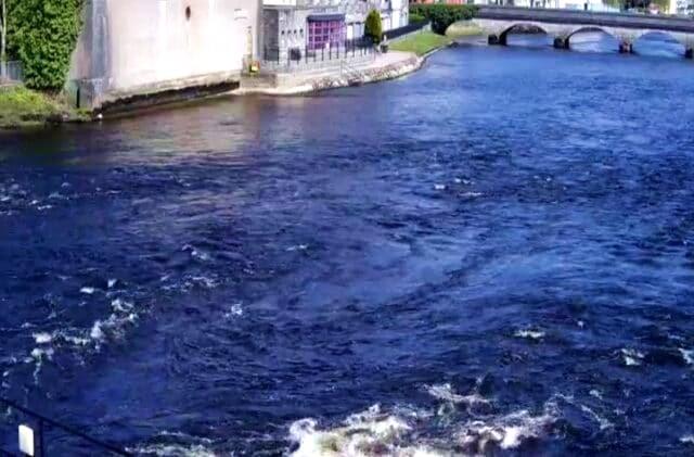 La pêche du saumon sur la rivière Moy, Irlande.