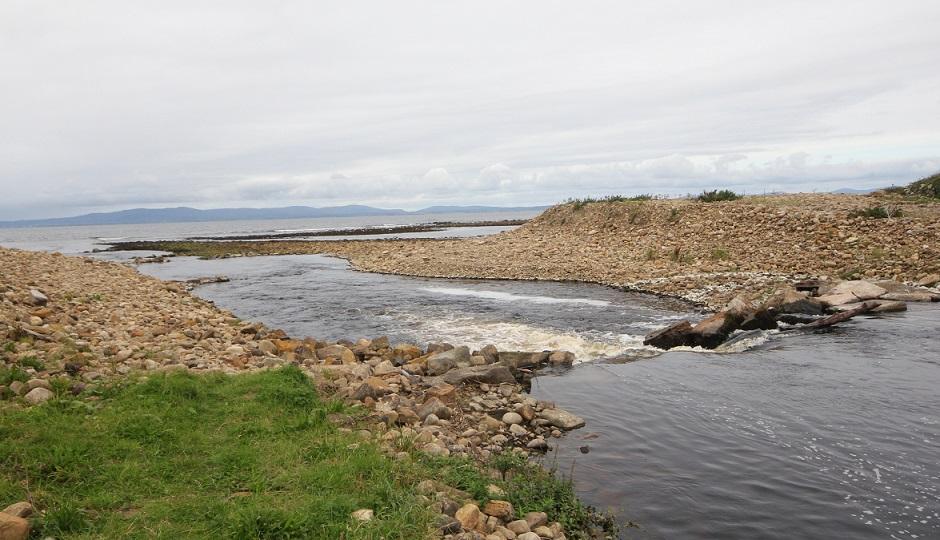 Les sea pools sur la rivière Drowes, Irlande.