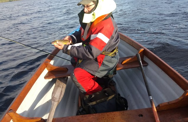 La pêche de la truite sur le Lough Cullin, Irlande.