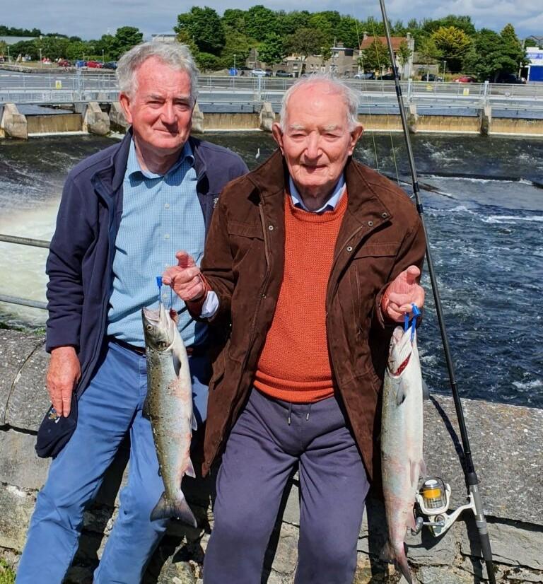 Les saumons de la rivière Corrib à Galway